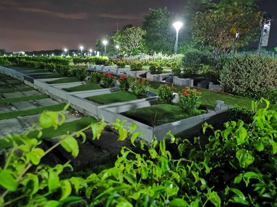 Nghĩa trang Sala Garden về đêm, khác hoàn toàn so với nghĩa trang nhân dân