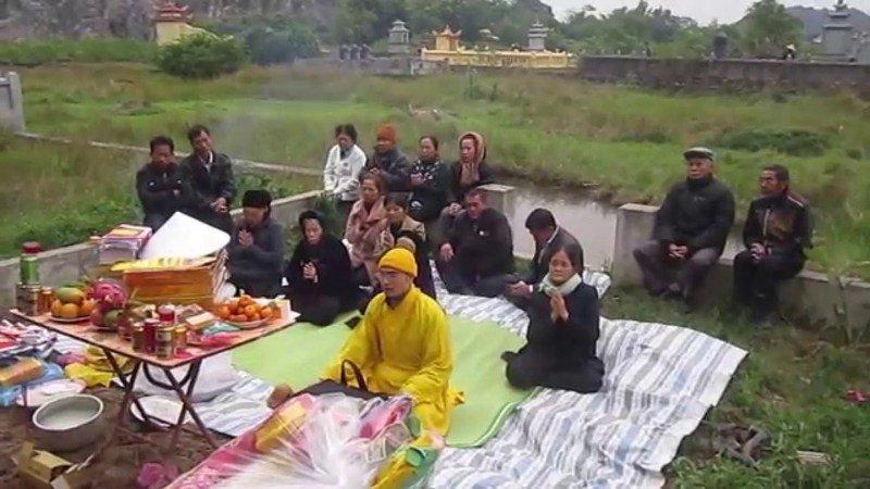 Dịch vụ cải táng trọn gói sẽ giúp quý khách tổ chức các nghi lễ cải táng