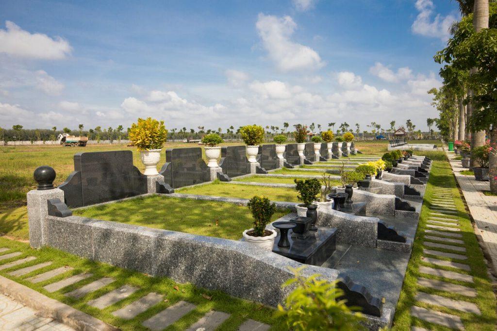Khu mộ thiết kế toàn bộ bằng đá hoa cương khối cao cấp mang lại sự vững chãi