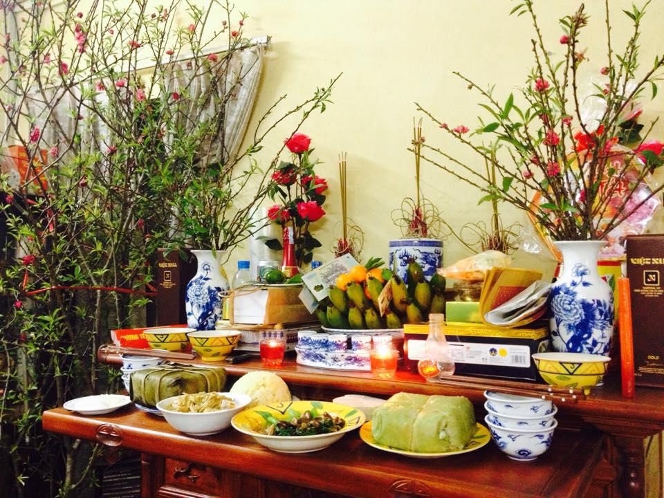 Tùy vào từng vùng, miền sẽ có các lễ vật bài trí bàn thờ ngày Tết khác nhau