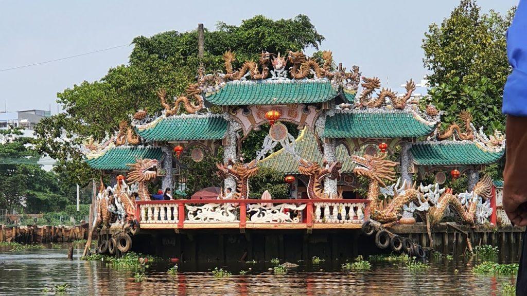 Ngôi chùa linh thiêng Miếu Nổi Phù Châu