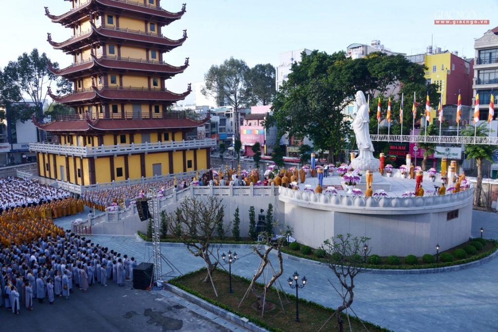 Việt Nam Quốc tự ngàn đời linh thiêng
